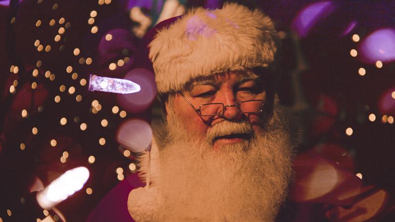 Weihnachtsmann kommt auch nach NRW, Lichterkette